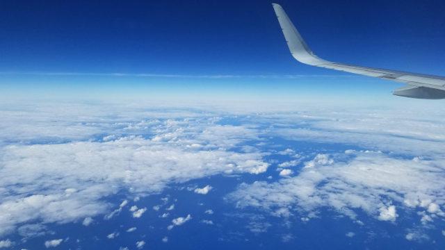 飛行機で海外へ